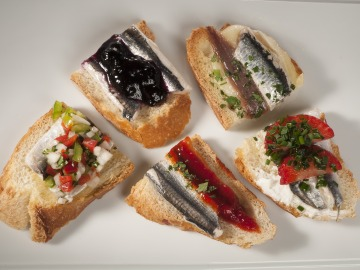 Anchoas marinadas y sus cinco pintxos