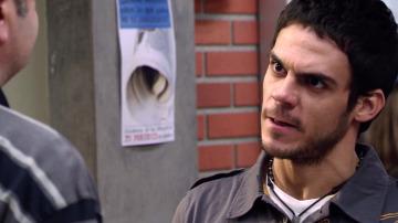 Roque se enfrenta a su padre tras la charla sobre drogas