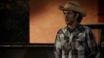 Loreto confiesa a Emiliano que es su padre