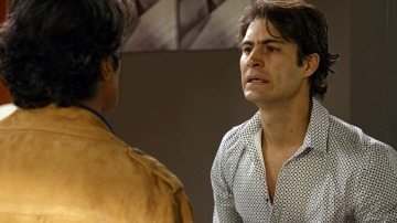 Eduardo confiesa a Fabricio que está enamorado de Casandra