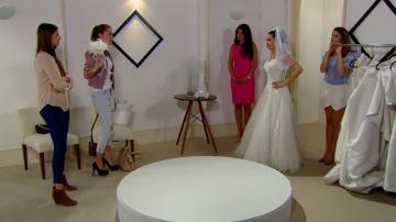 Fernanda busca vestido de novia