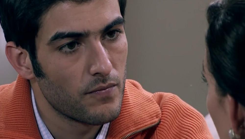 """Frame 115.296 de: """"Te vas a arrepentir de todo el daño que me hiciste, Gonzalo Murat"""""""