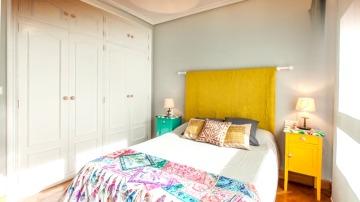 Frame 46.459111 de: Un dormitorio juvenil de una abuela para su nieta