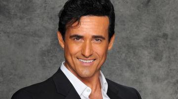 Carlos Marín, vocalista de Il Divo, canta a dueto el tema musical de 'Las amazonas'