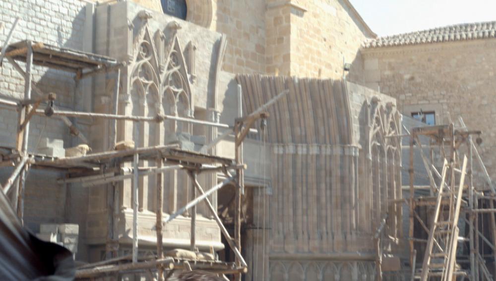 La réplica de la Basílica de Santa María del Mar que invadió Cáceres