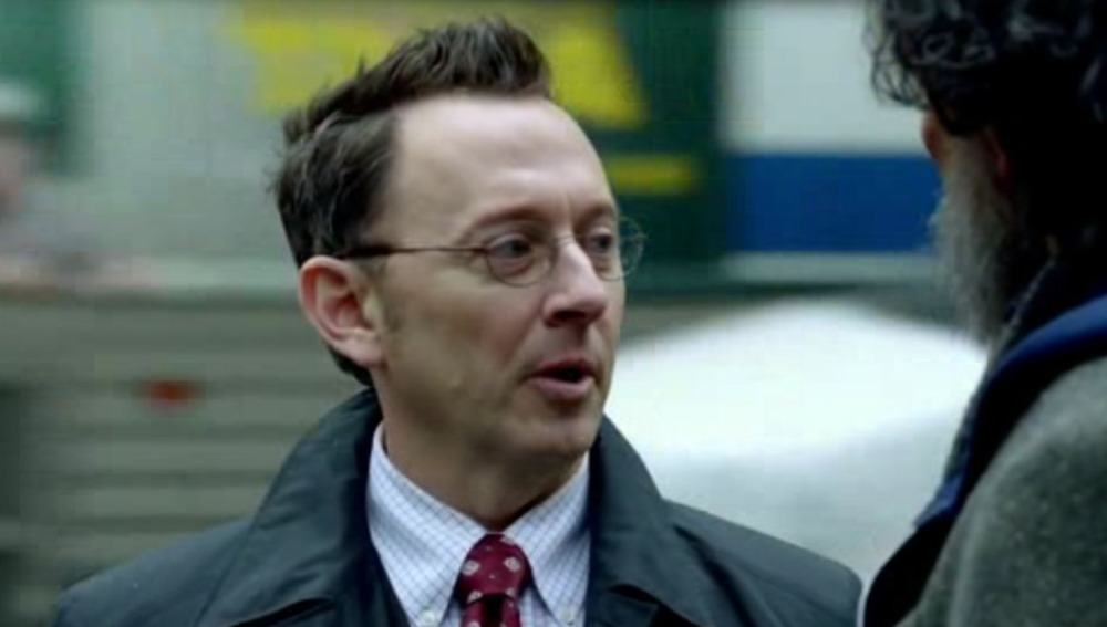 Michael Emerson, en su papel de Mr,Finch