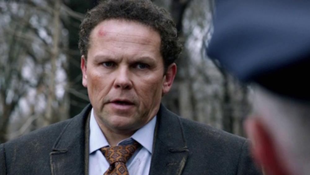 Kevin Chapman da vida al detective Lionel Fusco