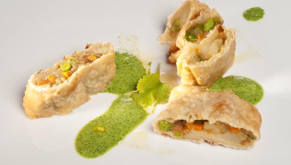 Samosas con chutney verde