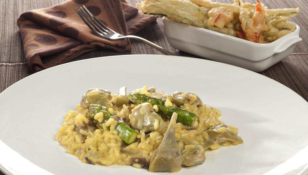 Risotto de alcachofas con snack de verduras crujientes