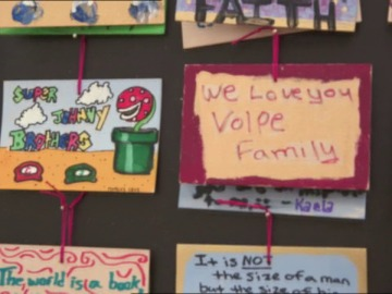 Una pared llena de recuerdos familiares