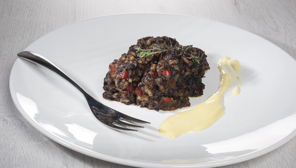 Arroz de morcilla y pimientos con mayomiel