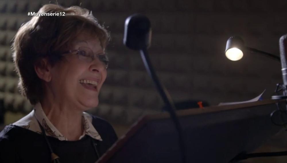 Frame 72.35791 de: Luz Olier: Lois es una loca
