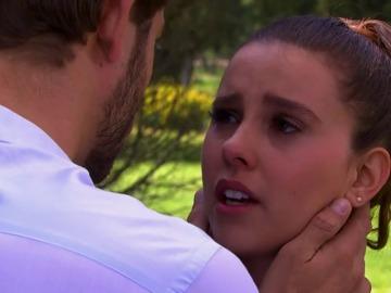 Frame 44.180712 de: Reconocer o no a Luis como su padre, el dilema de Fernanda