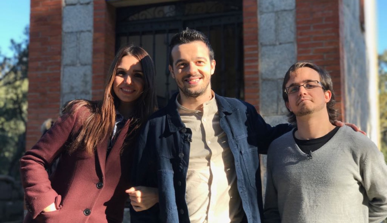 Vicky, Cayetano y Roque
