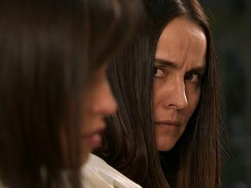 Frame 16.082546 de: Julieta promete vengarse de Nuria por haberla acusado de asesinato