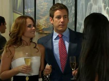 Diego quiere olvidar a Natalia y empieza a salir con otra chica