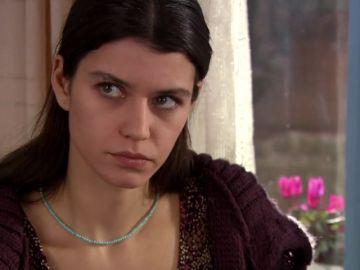 Kerim le compra a Fatmagül una alianza de casados