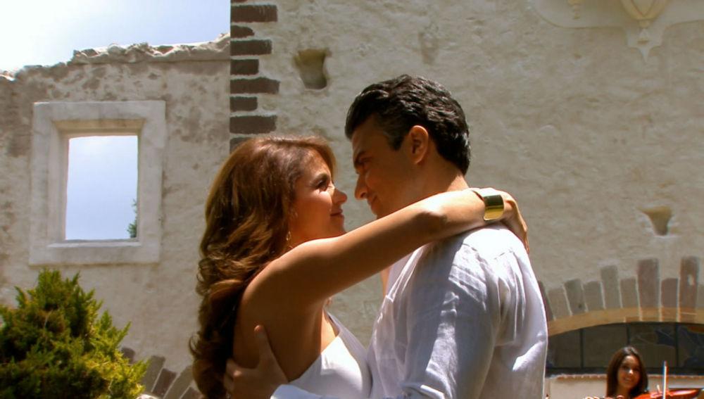 Juan Carlos y Helena, enamorados