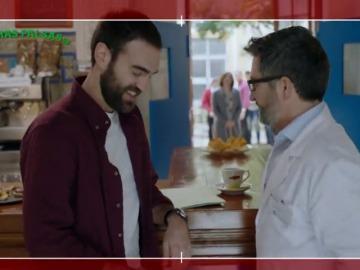 Frame 3.051428 de: Jon Plazaola se parte de la risa en el rodaje de 'Allí Abajo'