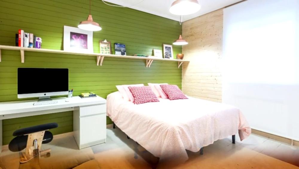 Dormitorio de estilo nórdico con materiales naturales