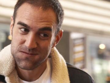 Jon Plazaola participa en el juego de la nuebes de 'La chica de las series'