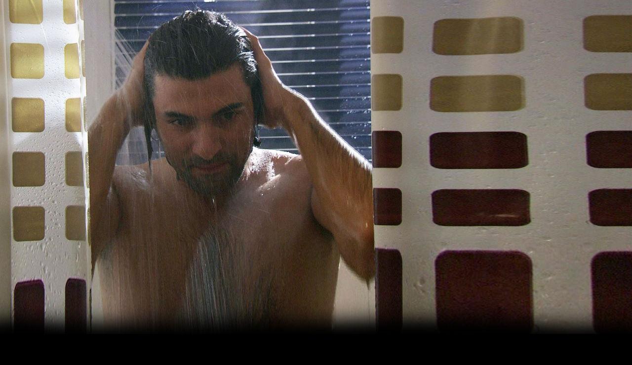 Kerim puede disfrutar de una ducha caliente